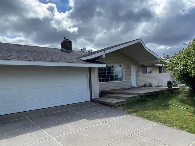 1437 NE Brown Drive, Madras, OR 97741 (MLS #220123134) :: Chris Scott, Central Oregon Valley Brokers