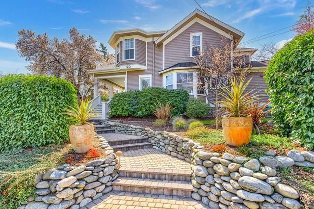 70 Coolidge Street, Ashland, OR 97520 (MLS #220123142) :: Berkshire Hathaway HomeServices Northwest Real Estate