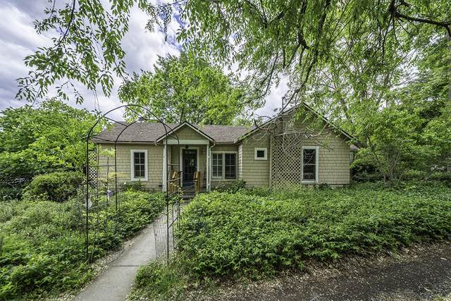 694 Oak Street, Ashland, OR 97520 (MLS #220123473) :: Berkshire Hathaway HomeServices Northwest Real Estate