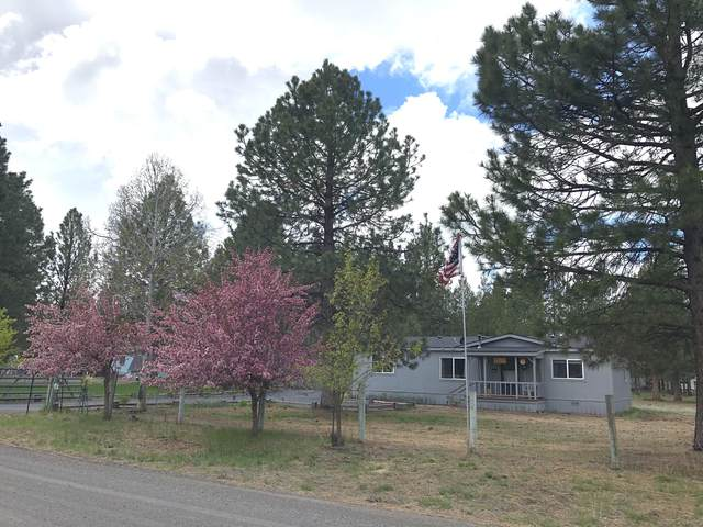 52805 Wayside Loop, La Pine, OR 97739 (MLS #220123482) :: Chris Scott, Central Oregon Valley Brokers