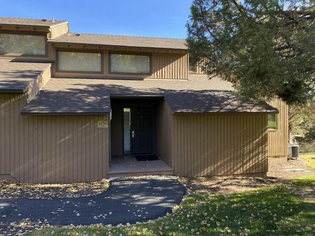 1856 Redtail Hawk Drive Rv51j, Redmond, OR 97756 (MLS #220123497) :: Bend Relo at Fred Real Estate Group