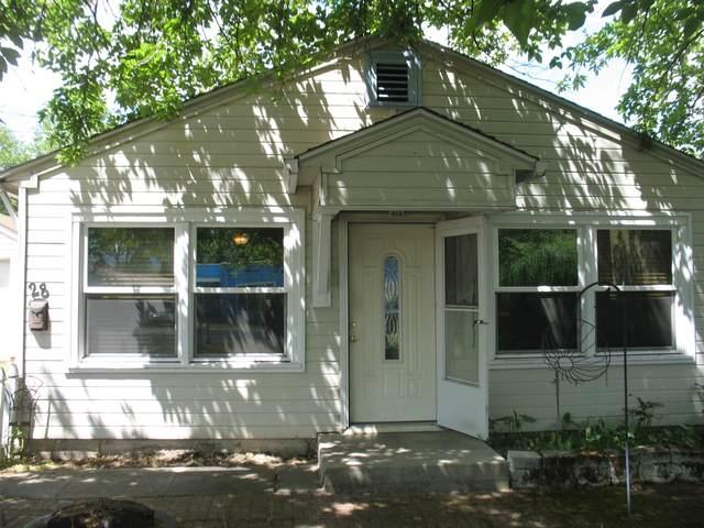 28 Lincoln Street, Medford, OR 97501 (MLS #220123596) :: Chris Scott, Central Oregon Valley Brokers