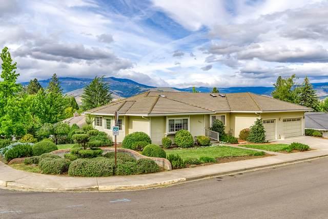 1805 Peachey Road, Ashland, OR 97520 (MLS #220123771) :: Chris Scott, Central Oregon Valley Brokers