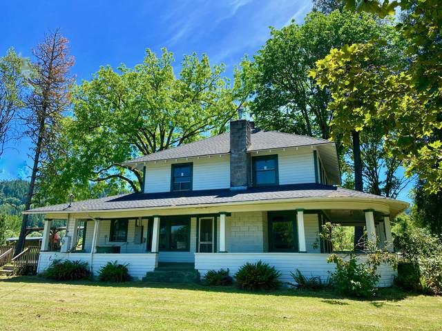 8820 Lookingglass Road, Roseburg, OR 97471 (MLS #220123868) :: Coldwell Banker Bain