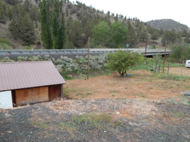 500 Old Highway Highway, Mitchell, OR 97750 (MLS #220123933) :: Team Birtola   High Desert Realty