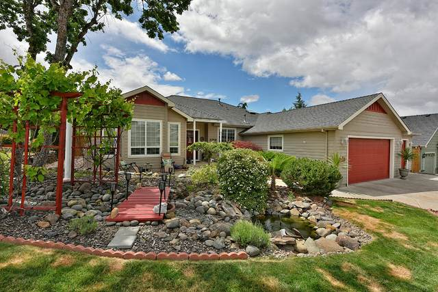 1150 Arrowhead Trail, Eagle Point, OR 97524 (MLS #220123945) :: Chris Scott, Central Oregon Valley Brokers