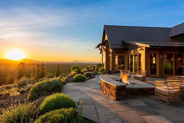 63225 Lookout Drive, Bend, OR 97703 (MLS #220124010) :: Berkshire Hathaway HomeServices Northwest Real Estate