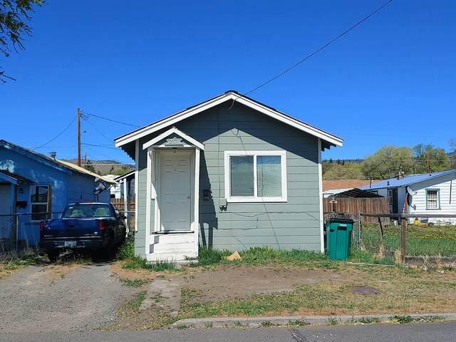 253 Martin Street, Klamath Falls, OR 97601 (MLS #220124011) :: Chris Scott, Central Oregon Valley Brokers
