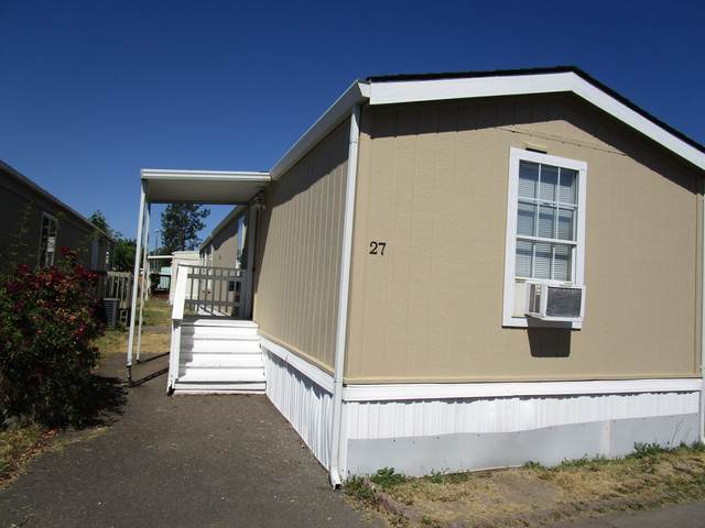 2622 Falcon Street Spc 27, White City, OR 97503 (MLS #220124124) :: The Ladd Group