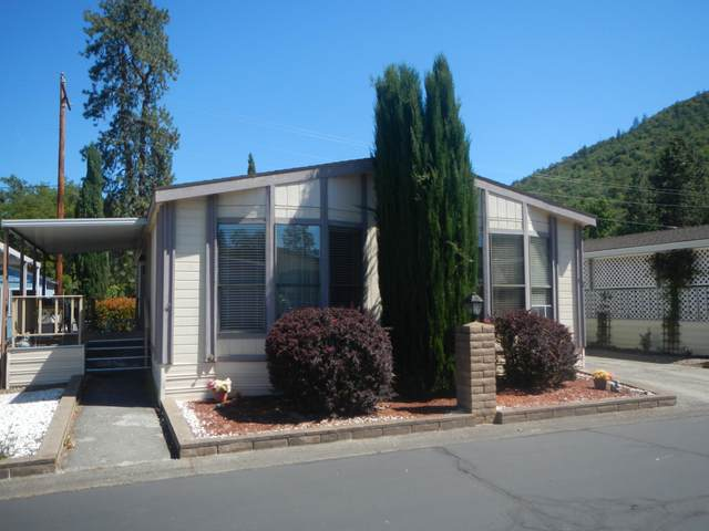 20055 Highway 62 Unit 32, Shady Cove, OR 97539 (MLS #220124142) :: Keller Williams Realty Central Oregon