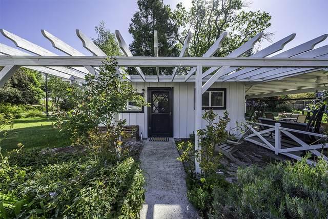 710 Hueners Lane, Jacksonville, OR 97530 (MLS #220124148) :: Berkshire Hathaway HomeServices Northwest Real Estate