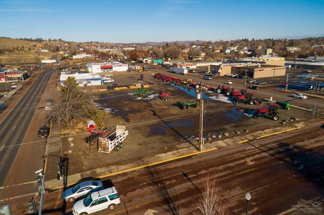 14 NW 5th Street, Madras, OR 97741 (MLS #220124210) :: Schaake Capital Group