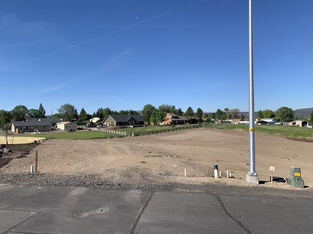 Lot 31 NW Saddle Ridge Court, Prineville, OR 97754 (MLS #220124234) :: Fred Real Estate Group of Central Oregon