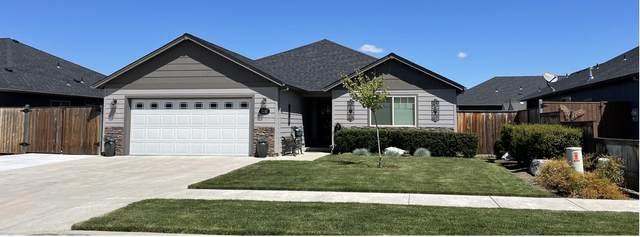 3241 Dearborn Lane, Medford, OR 97504 (MLS #220124293) :: Chris Scott, Central Oregon Valley Brokers