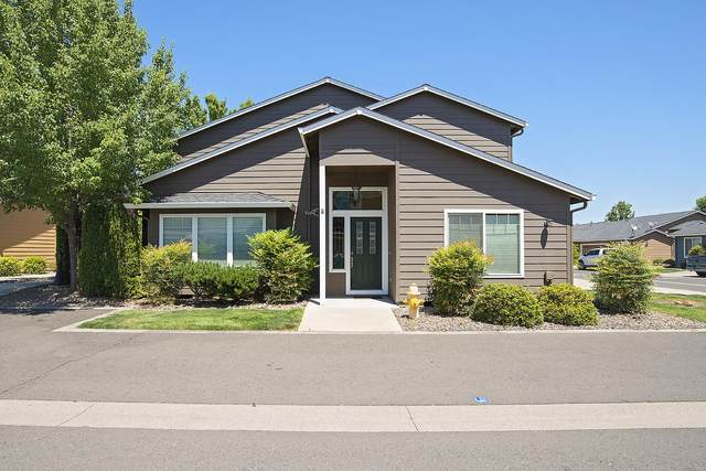 317 Live Oak Loop, Central Point, OR 97502 (MLS #220124304) :: Chris Scott, Central Oregon Valley Brokers