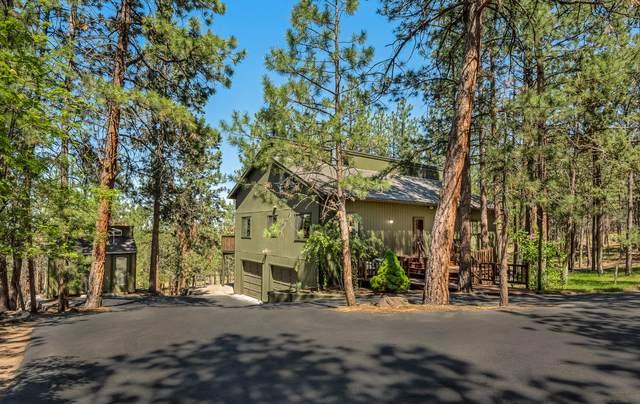 19050 Saddleback Lane, Bend, OR 97703 (MLS #220124358) :: Fred Real Estate Group of Central Oregon