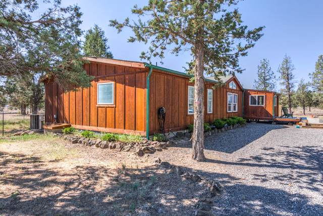 17423 SW Blue Jay Road, Terrebonne, OR 97760 (MLS #220124359) :: Fred Real Estate Group of Central Oregon