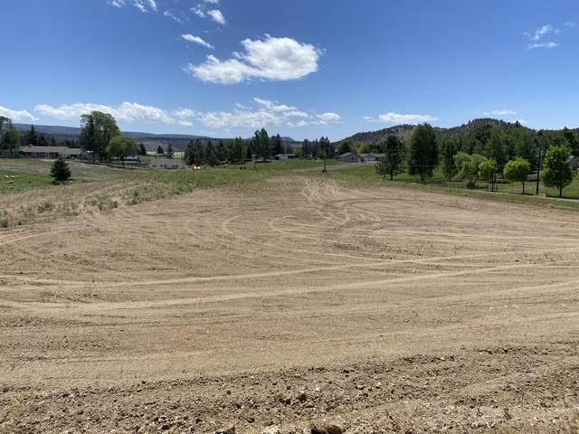2752 NE Sunrise Trail, Prineville, OR 97754 (MLS #220124361) :: Keller Williams Realty Central Oregon