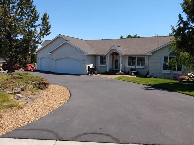 3722 SW Tommy Armour Lane, Redmond, OR 97756 (MLS #220124384) :: Berkshire Hathaway HomeServices Northwest Real Estate