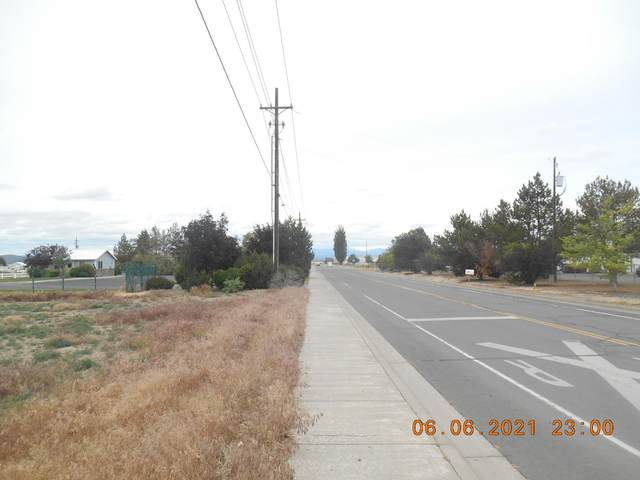 806 NW Cherry Lane, Madras, OR 97741 (MLS #220124395) :: Schaake Capital Group