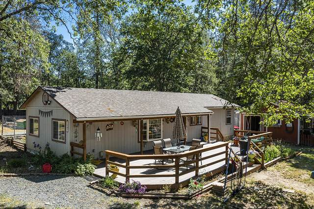 3747 Russell Road, Grants Pass, OR 97526 (MLS #220124414) :: Bend Relo at Fred Real Estate Group
