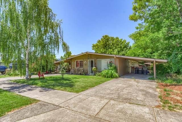 1018-1020 Olympic Avenue, Medford, OR 97504 (MLS #220124428) :: Chris Scott, Central Oregon Valley Brokers