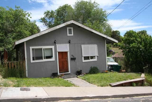 1527 Wilford Avenue, Klamath Falls, OR 97601 (MLS #220124430) :: Bend Homes Now
