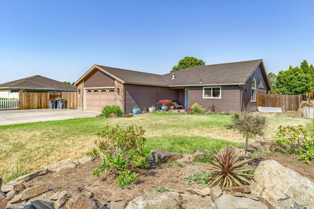1380 Circle Wood Drive, Central Point, OR 97502 (MLS #220124451) :: Bend Relo at Fred Real Estate Group