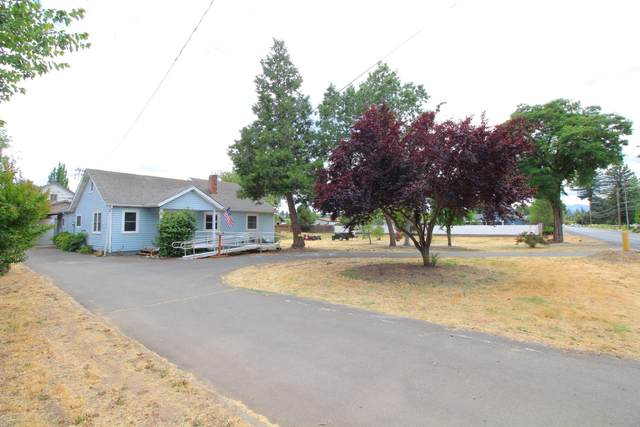 2417 Lower River Road, Grants Pass, OR 97526 (MLS #220124453) :: Berkshire Hathaway HomeServices Northwest Real Estate
