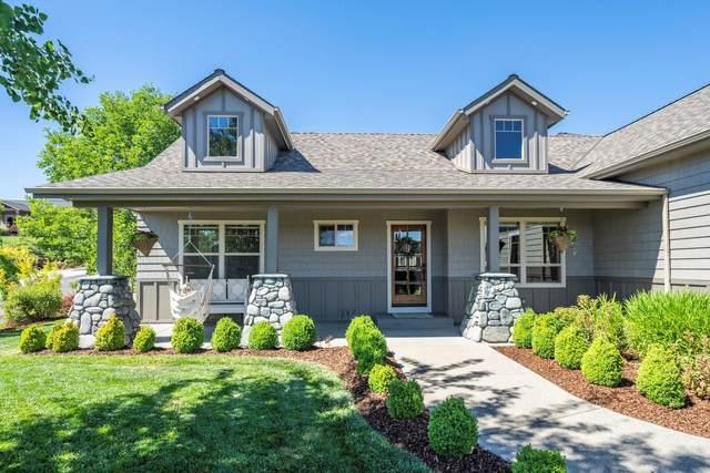 4221 Falcon Ridge Terrace, Medford, OR 97504 (MLS #220124458) :: Chris Scott, Central Oregon Valley Brokers