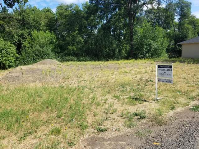 758 S Shasta Avenue, Eagle Point, OR 97524 (MLS #220124466) :: FORD REAL ESTATE