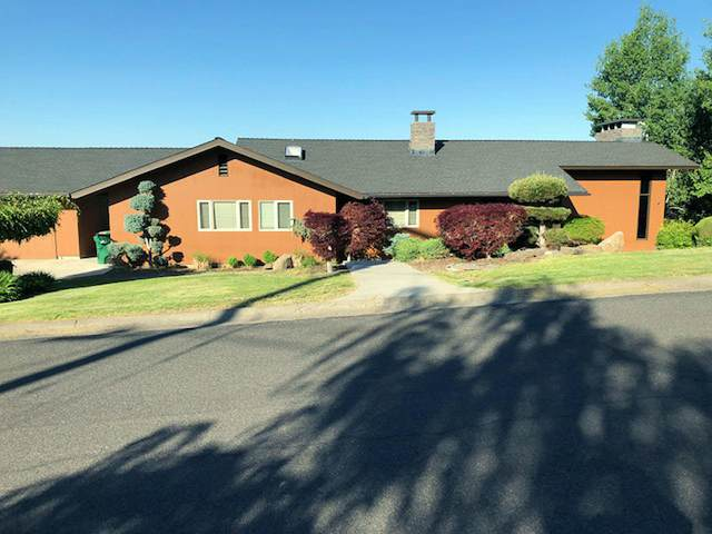 937 Loma Linda Drive, Klamath Falls, OR 97601 (MLS #220124477) :: Coldwell Banker Sun Country Realty, Inc.