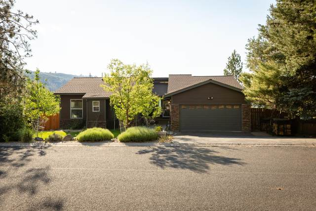 1341 Wild Plum Court, Klamath Falls, OR 97601 (MLS #220124498) :: Chris Scott, Central Oregon Valley Brokers