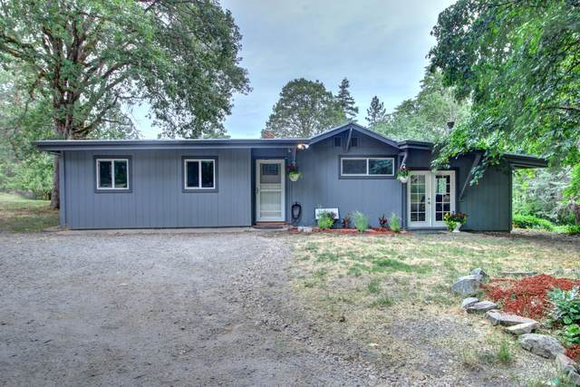 3479 Kane Creek Road, Central Point, OR 97502 (MLS #220124545) :: Coldwell Banker Bain
