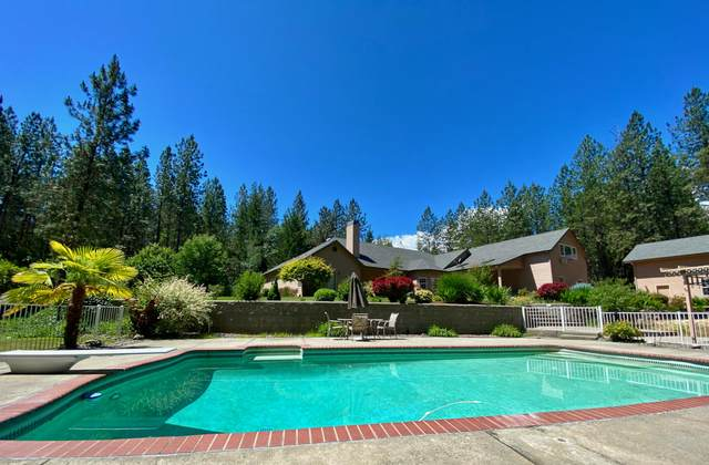 270 Brookstone Hills Drive, Grants Pass, OR 97526 (MLS #220124605) :: The Ladd Group