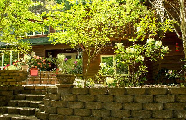 3033 Granite Hill Road, Grants Pass, OR 97526 (MLS #220124607) :: Coldwell Banker Sun Country Realty, Inc.