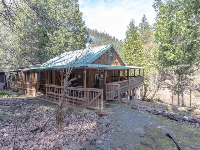 7948 Pleasant Creek Road, Rogue River, OR 97537 (MLS #220124611) :: Bend Homes Now