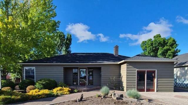 682 NW 3rd Street, Prineville, OR 97754 (MLS #220124624) :: Fred Real Estate Group of Central Oregon