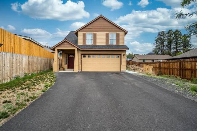 2805 SW 31st Street, Redmond, OR 97756 (MLS #220124658) :: Bend Homes Now