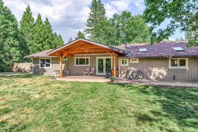 4515 Dick George Road, Cave Junction, OR 97523 (MLS #220124672) :: FORD REAL ESTATE