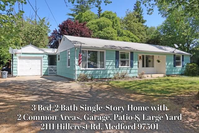 2111 Hillcrest Road, Medford, OR 97504 (MLS #220124690) :: FORD REAL ESTATE