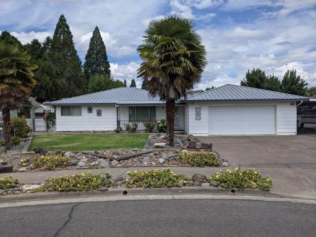 940 Tierra Linda Drive, Central Point, OR 97502 (MLS #220124699) :: Bend Relo at Fred Real Estate Group