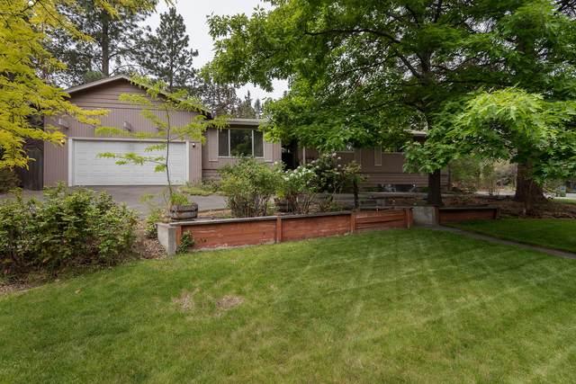 1797 NE Daphne Drive, Bend, OR 97701 (MLS #220124705) :: Fred Real Estate Group of Central Oregon