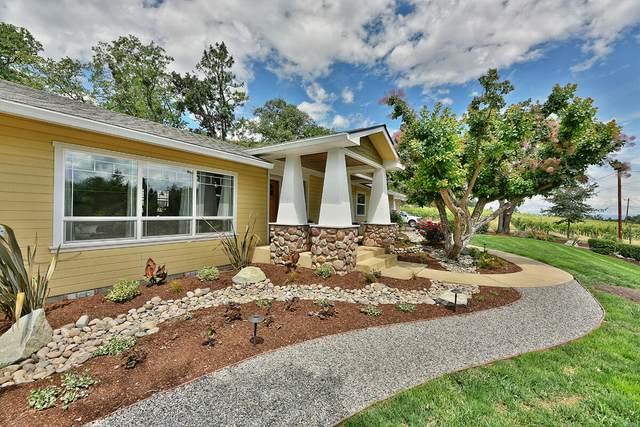 3360 W Hills Terrace, Medford, OR 97501 (MLS #220124717) :: Berkshire Hathaway HomeServices Northwest Real Estate