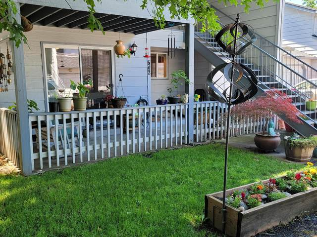 542 Village Drive, Central Point, OR 97502 (MLS #220124718) :: Bend Relo at Fred Real Estate Group