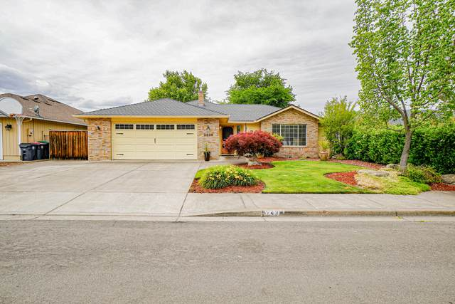 2439 Sheffield Court, Medford, OR 97504 (MLS #220124722) :: Bend Homes Now