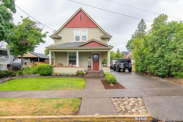 740 NE 8th Street, Grants Pass, OR 97526 (MLS #220124728) :: Bend Homes Now
