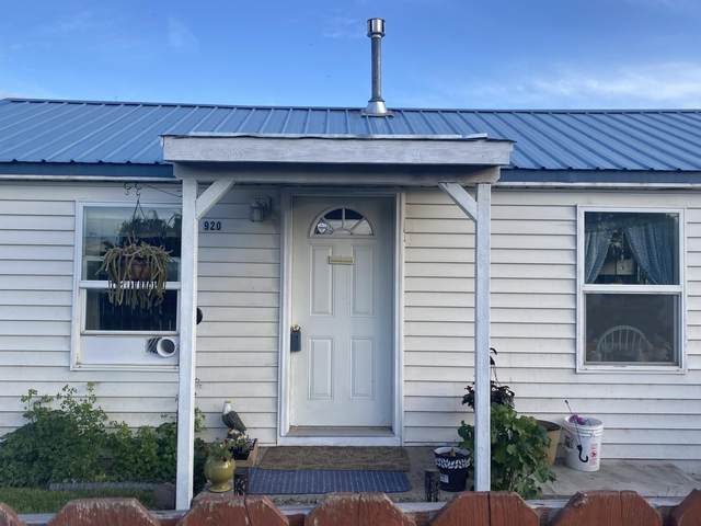 920 NW 12th Street, Prineville, OR 97754 (MLS #220124734) :: Bend Relo at Fred Real Estate Group