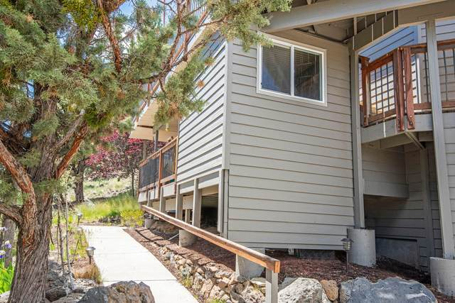 553 NW Greyhawk Avenue, Bend, OR 97703 (MLS #220124737) :: Bend Homes Now