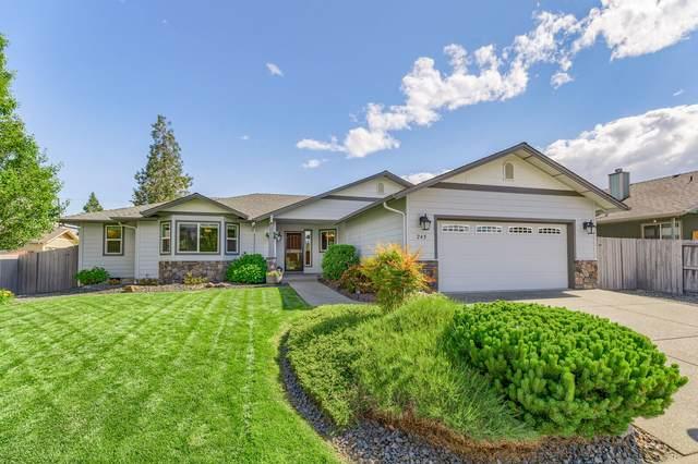 245 SW Jamee Kay Lane, Grants Pass, OR 97527 (MLS #220124746) :: Bend Homes Now